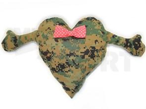 Подушка-валентинка камуфлированная